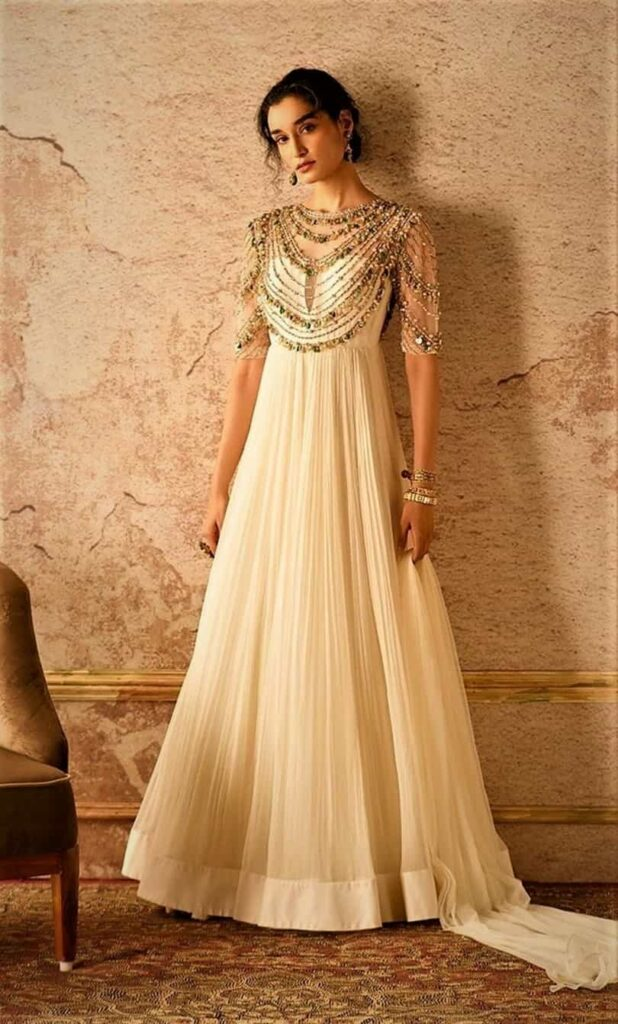 bridesmaid outfit ideas for Indian weddings