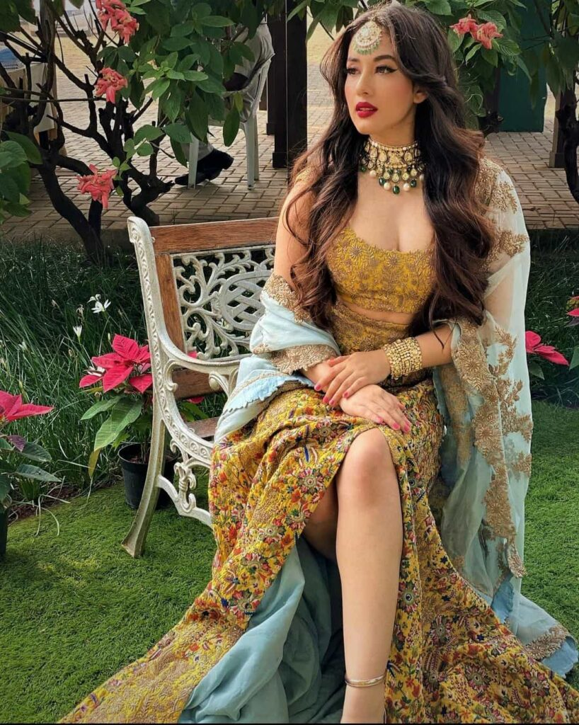 mehndi outfits for bridesmaids